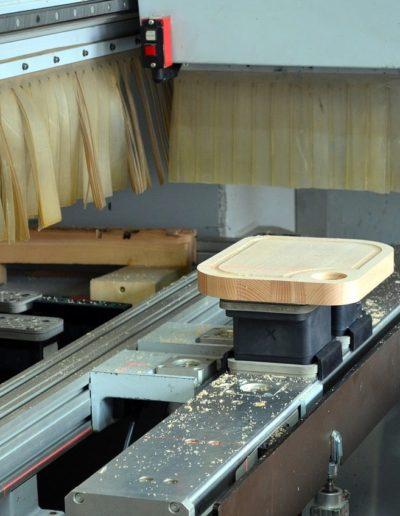 CNC Holzbau 1 und Handarbeit - Hüppi Schreinerei GmbH ¦ Gommiswald