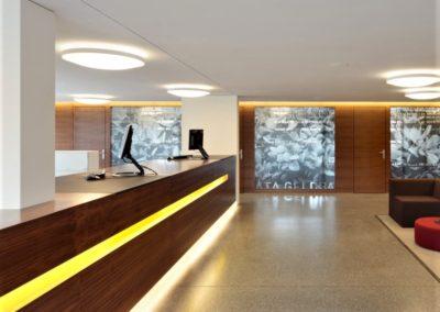 Referenz Raiffeisen Bank a Kundendesk – Hüppi Schreinerei GmbH ¦ Gommiswald